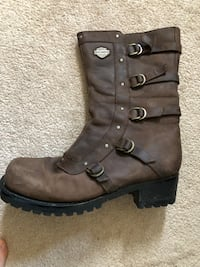 pair of brown leather boots Kitchener, N2P