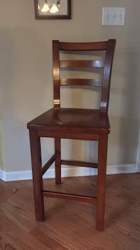 brown wooden framed black leather padded chair Yorkville, 60560