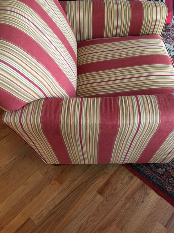 red and white striped sofa chair usado en venta en Port Jervis - letgo