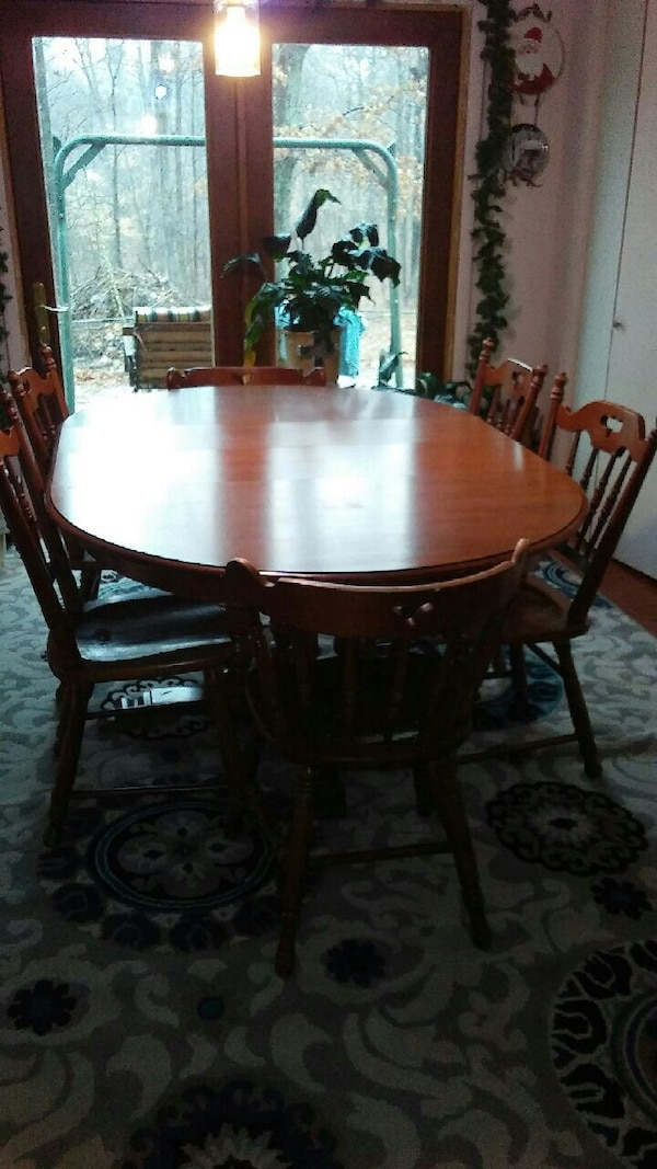 Tell City Furniture Table And Chairs