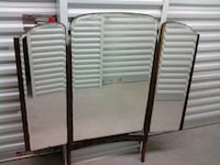 two brown wooden folding chairs Angleton, 77515