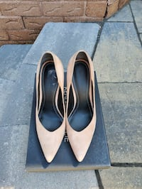 KENDALL AND KYLIE nude stiletto heels sz8 Markham, L3P