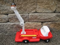 VINTAGE LITTLE TIKES FIRE TRUCK Toddle Tots  LADDER LIFTS UP