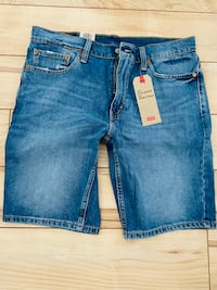 Brand New Levis 511 shorts Size 33