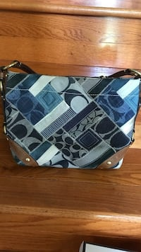 Coach patchwork purse  Bristow, 20136