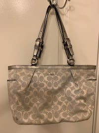 Coach handbag Rockville, 20850