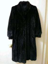 Long Mink coat sz M, good condition 541 km