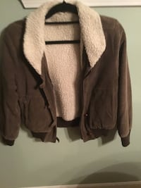 Juniors corduroy  jacket with shearling lining and collar Size 7/8 Howell, 07731
