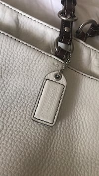 LARGE, off-white leather, authentic COACH purse  North Royalton, 44133