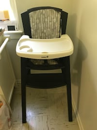 baby's black and white high chair Hagerstown, 21740
