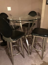 Glass bar table w/4 chairs  El Paso, 79912