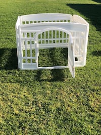 Used Munchkin Child Or Pet Gate New In Unopened Box For