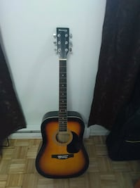 Huntington guitare with daddario strings Laval, H7W 1X7