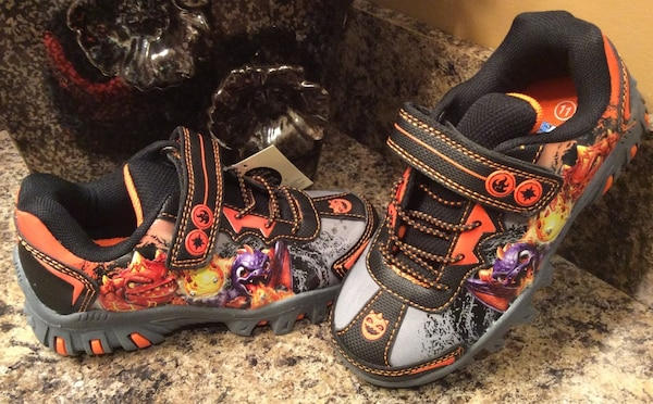 Toddler's Skylanders gray, black, tangerine running shoes - lights up, ( brand new )