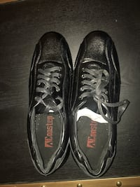 Men's leather sneakers size 11