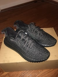 Yeezy pirate black size 9 Silver Spring, 20906