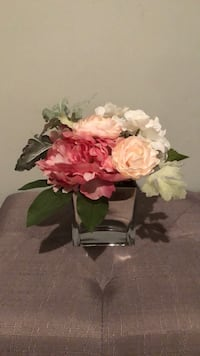 White and pink artificial flowers New York, 11379