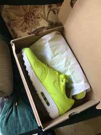 Size 11-5 air max 1 perfect for spring colors Brand new Savannah, 31405