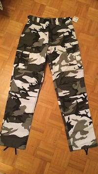 black, white, and gray camouflage pants Mississauga, L4Z