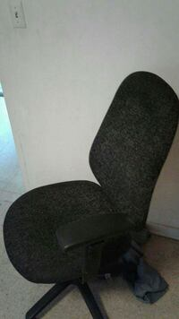 black office rolling chair Cumberland, 21502
