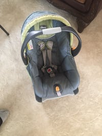 Baby's gray and black car seat carrier Dearborn, 48126