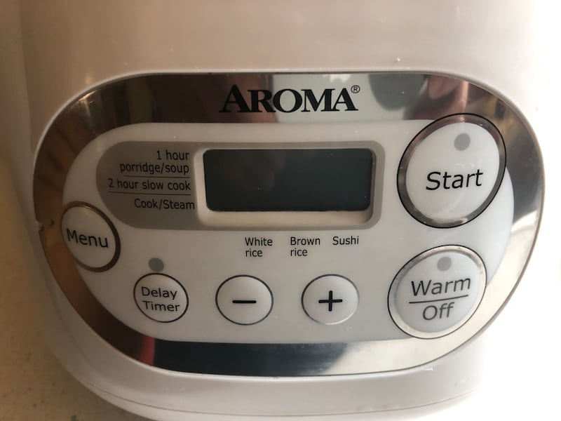 Rice cooker 6cup c4dfde7b-2d54-4af2-bf78-3eb44a422941