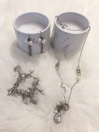 Never Wore 3 pieces jewelry set from Guess Winnipeg, R3P 1A4