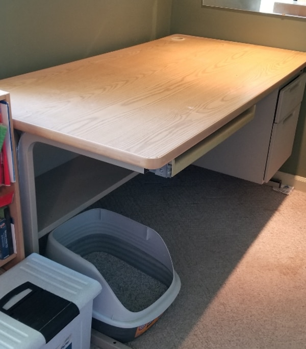 Office Desk. Metal. Pull out keyboard drawer and 2 side drawers.