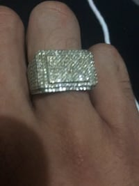 10k gold ring with 2kt diamonds Toronto, M4L 2H9