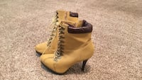Pair of brown leather side-zip pump work boots Colorado Springs, 80918