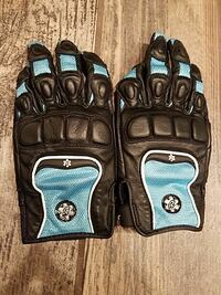 black-and-blue leather motorcyle gloves Orchard Park, 14127