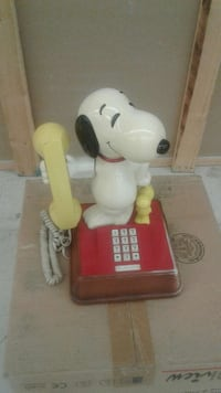 red and white Snoopy home phone Maryland, 21085