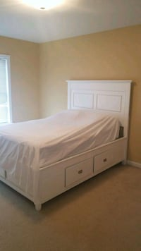 White Full Bed with four drawers on bottom Fairfax, 22030