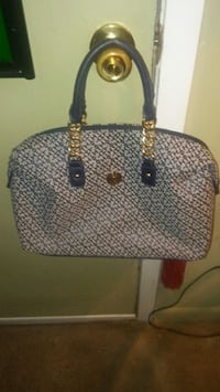 084bc3fab2a833 gray and black leather tote bag. Bay Saint Louis, 39520. Tommy Hilfiger Bag