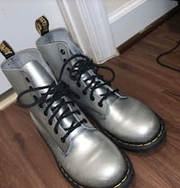 pair of gray leather work boots Washington, 20032