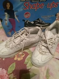 pair of white Nike Air Max shoes Carrier Mills, 62917