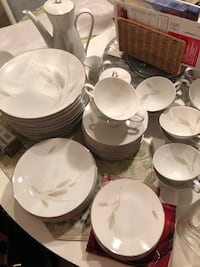 Rosenthal China place setting for 12 147 mi