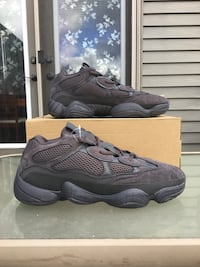 UA Yeezy 500 All Black adidas shoes 551 km