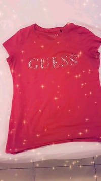 red Guess T-shirt  Toronto, M6M 3Y9