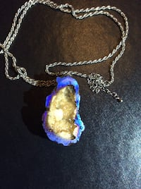 Beautiful geode 32 inch necklace.  Germantown, 20876