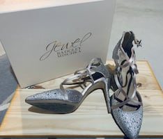 Jewel Badgley Mischka heels