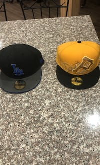 Fitted hats Aurora, L4G 6Y6