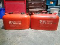 2 metal gas cans Charlotte, 28208