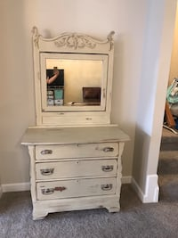 Antique dresser with mirror Sterling, 20165