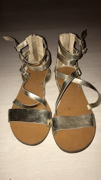Gold strappy sandals - size 8.5/9 Toronto, M6K 3P8