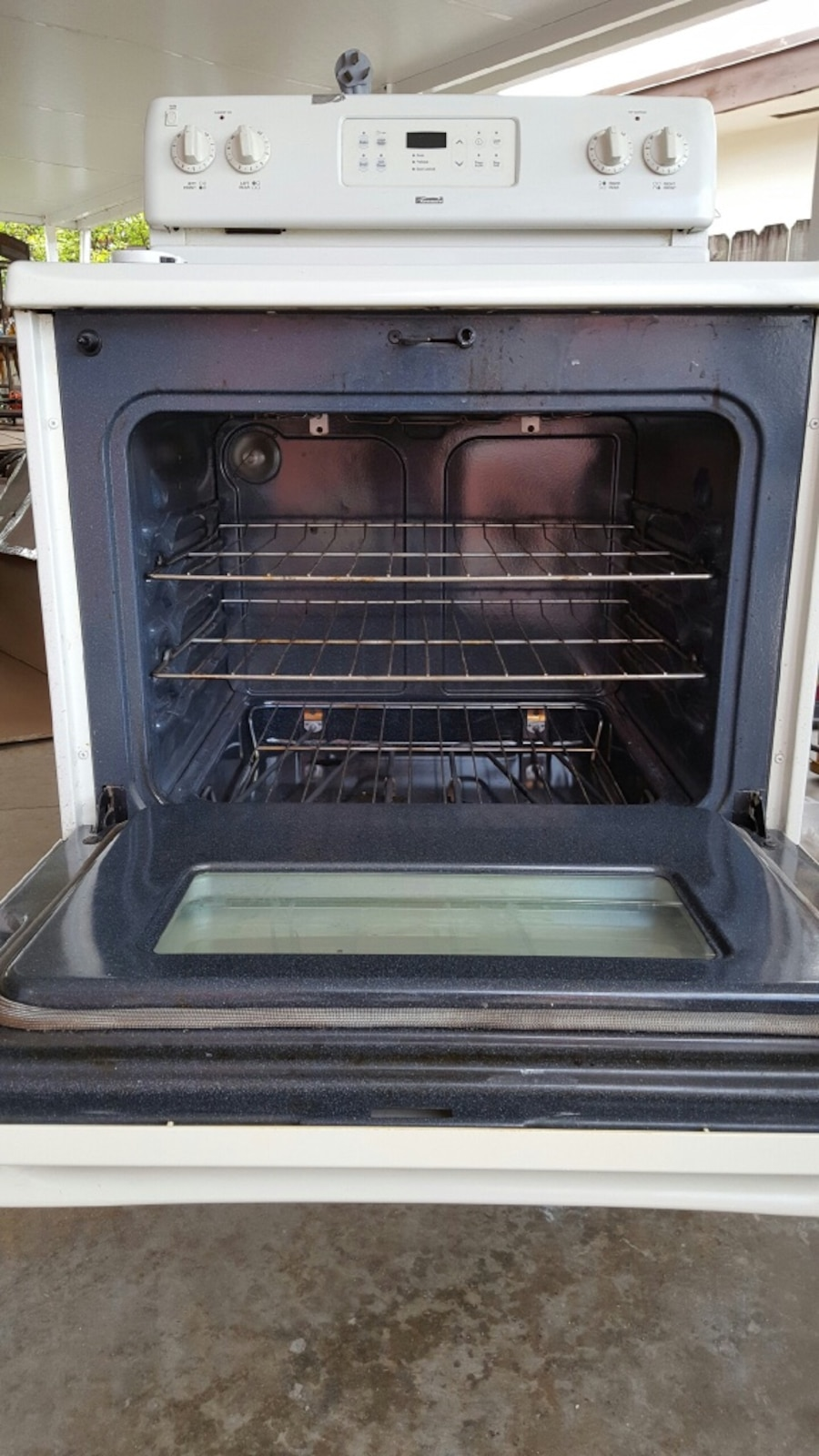 white induction stove range with oven - Miami Gardens