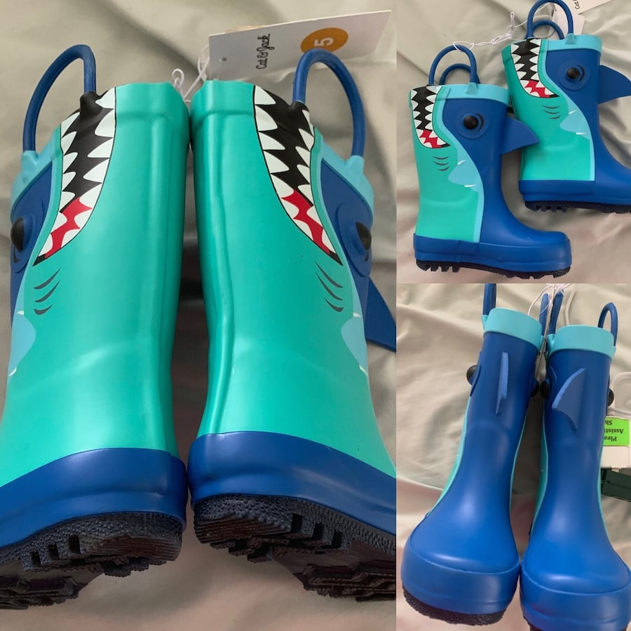 NWT toddler unisex baby shark boots toddler size 5