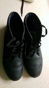 pair of black leather shoes Orlando, 32818