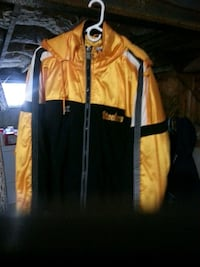 yellow and black Pittsburgh Steelers jacket. Bethlehem, 18020