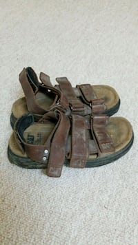 brown leather sandals North Vancouver, V7P 0A8